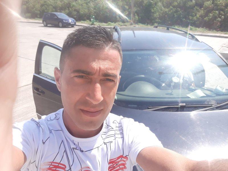 un bărbat din Brașov care cauta femei frumoase din București