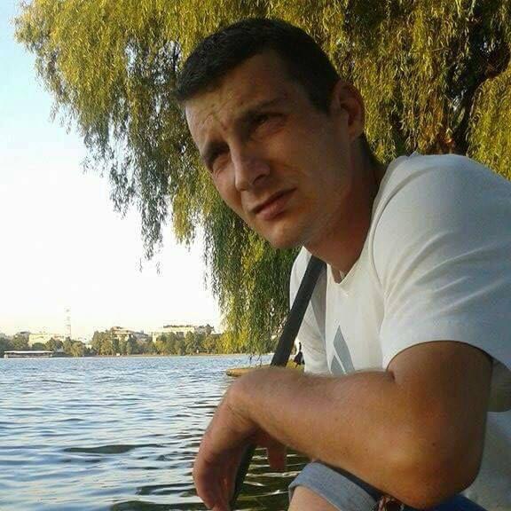 un bărbat din Reșița care cauta femei căsătorite din Sighișoara
