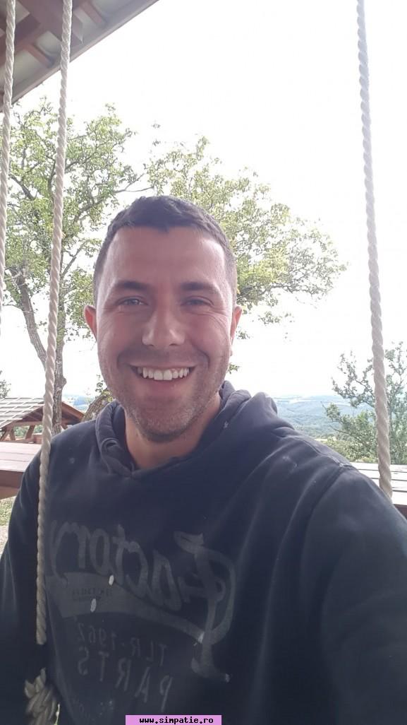 Caut barbat singur din oradea. Doamne Cauta Barbati Pentru Casatorie Salonta, Matrimoniale în Bihor