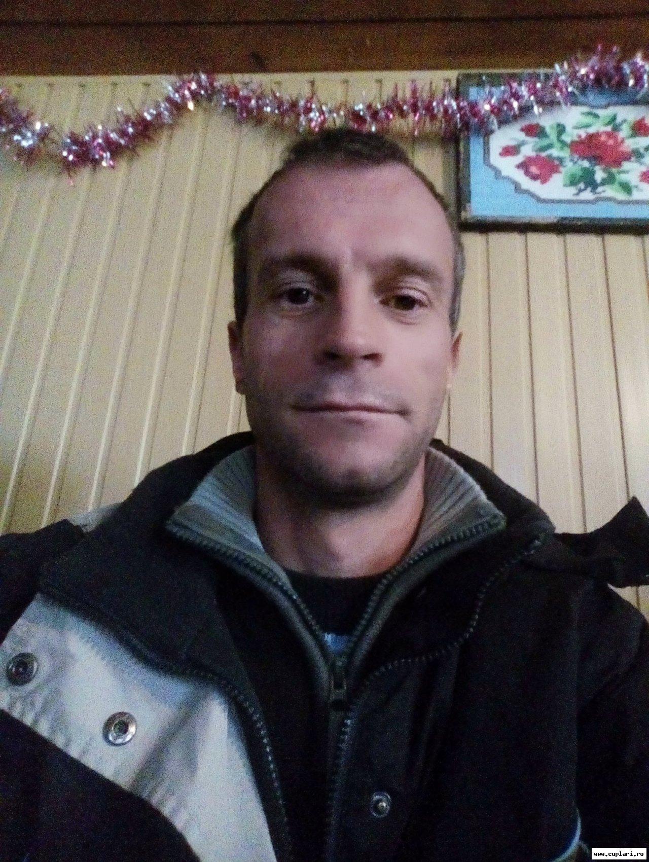 matrimoniale femei cauta barbati tutin un bărbat din Iași care cauta Femei divorțată din Sibiu