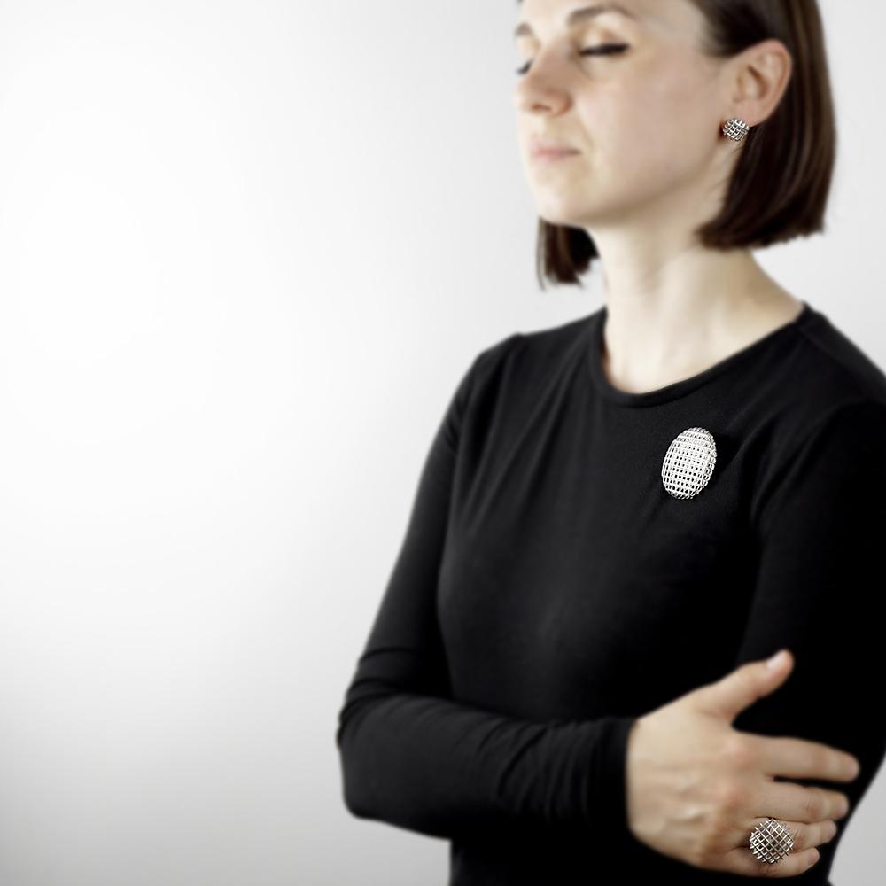 căutând o femeie pentru o articulație