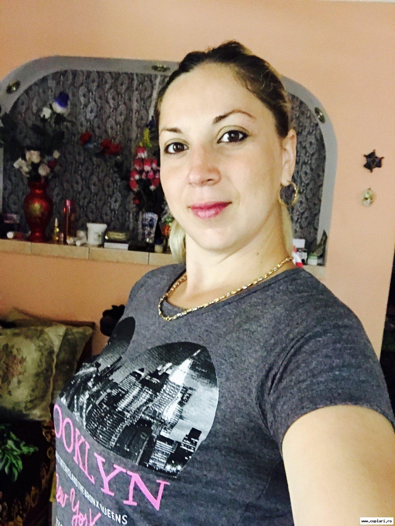 Caut divorțate femei din Alba Iulia fete singure din Timișoara care cauta barbati din Slatina