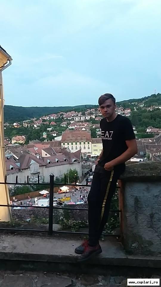 Caut frumoase bărbați din Sibiu