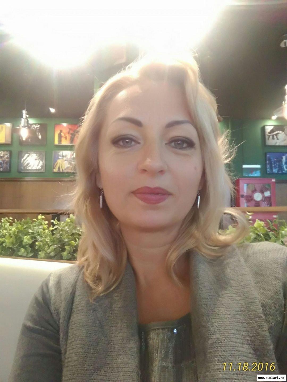 Întâlnire cu femei singură. relaţii de prietenie-căsătorie în Brașov