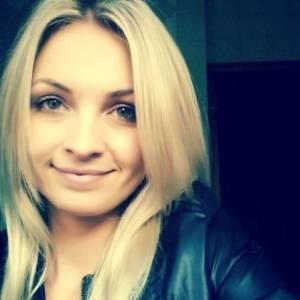 Caut singure fete din Slatina