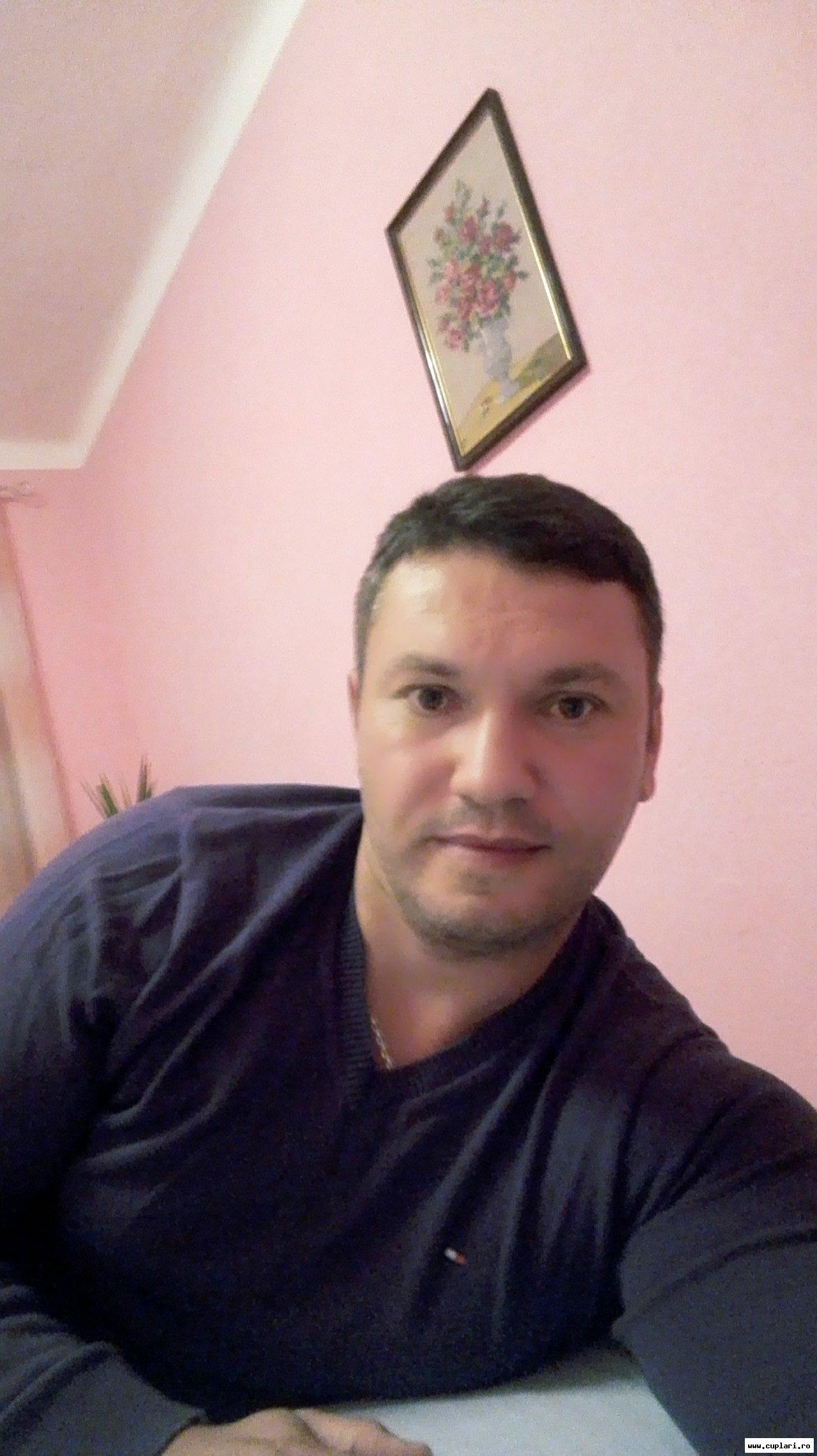 fete divortate din Brașov care cauta barbati din Alba Iulia în căutarea unui bărbat pentru un copil